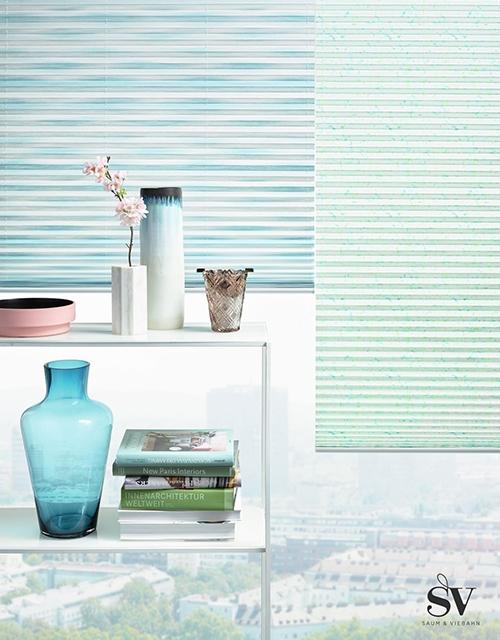 Sonnenschutz Jalousie blau und grün - Raumausstattung Wallner