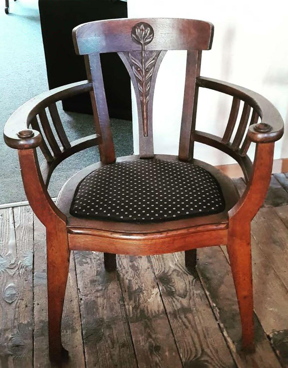 Restaurierung Stuhl Antik Holz  - Raumausstattung Wallner